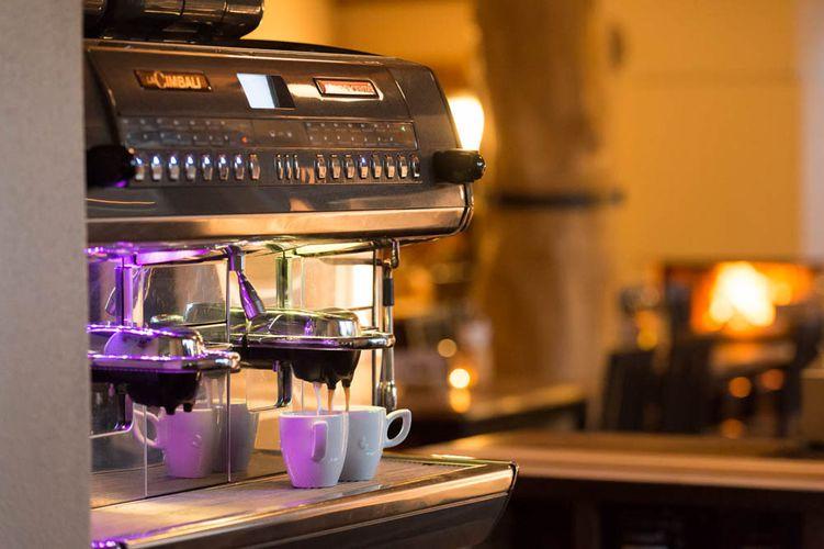 Kaffeespezialitäten im Wirtshaus Seeufer eging am See